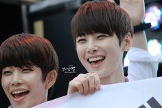 [15.08.15] - MyungJun e EunWoo - Astro no Guerrilla Concert