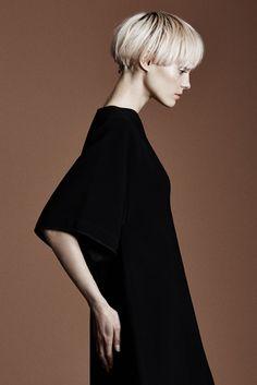Model Call: Nora Vai - Slideshow