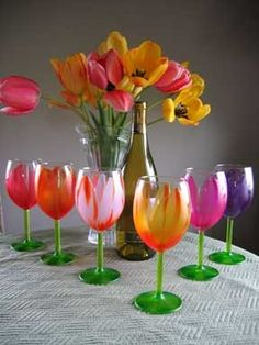 painted wine glasses... Pinning now to find something similar. I want to make these for mom