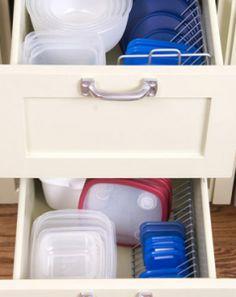 MOM Tip: Organize Your Plasticware Lids www.247moms.com #247moms