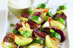 44 nej receptů s cuketami Sprouts, Zucchini, Grilling, Food And Drink, Vegetables, Recipes, Crickets, Vegetable Recipes