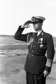 His late Majesty King Mihai I of Romania wearing the Soviet Order of Victory, awarded on July 6, 1945, of which he was the last living recipient (ca. 1945)