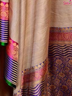 Isn't this gorge? Tussar Silk Saree, Soft Silk Sarees, Traditional Sarees, Traditional Dresses, Saris, Indian Attire, Indian Wear, Indian Dresses, Indian Outfits