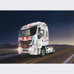 Italeri 1/24 Iveco Stralis Hi-Way Euro 5