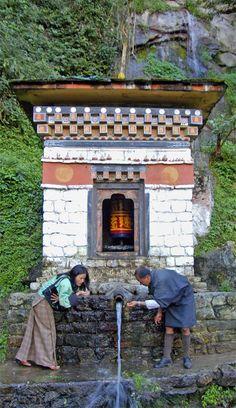 Mountain water fountain - Metshina, Punakha - Bhutan