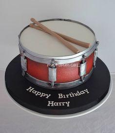 Ideas Birthday Cake For Men Music Drum Kit Birthday Cakes For Men, Drum Birthday Cakes, Birthday Bash, Happy Birthday, Music Themed Cakes, Music Cakes, Crazy Cakes, Fancy Cakes, Drum Cake