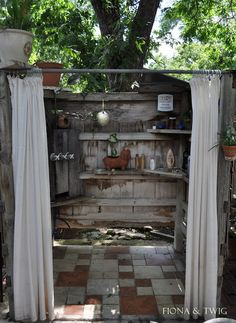 LOVE this!  outdoor shower :)