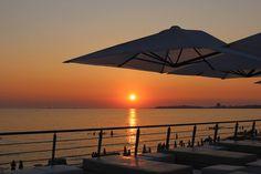 Sublime sunset for an unforgettable wedding. Mariage sous le coucher du soleil.