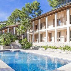 Investment: Luxusvilla mit knapp Land auf 6 Grundstücken in Son Vida Mansions, House Styles, Outdoor Decor, Home Decor, Luxury Villa, Villas, Future, Sevilla Spain, Majorca