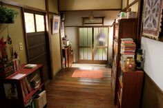 Home decor apartment Japanese Style House, Traditional Japanese House, Japanese Interior Design, Japan Apartment, Apartment Entrance, Aesthetic Space, Sims House, Cool Apartments, Apartment Design