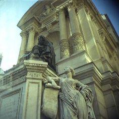 rue Molière - Paris 1er ... La fontaine Molière