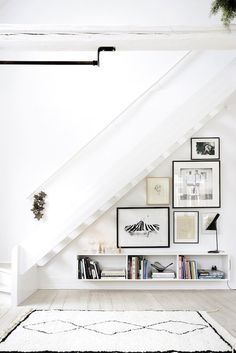 A Fashionable Home: Minimal Decor Idea For An Under-The-Stairs Space