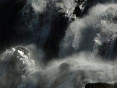 PELOS CAMINHOS DO DIVINO ESPÍRITO SANTO - BRASIL. Cachoeira da Fumaça, próximo a cidade de Alegre no estado do Espírito Santo,     sudeste do Brasil. Um lugar abençoado por Deus. - THE PATHS OF THE HOLY SPIRIT DIVINE - BRAZIL. Smokey Falls, near the city of     Alegre in the state of Espírito Santo, southeastern Brazil. A place blessed by God.