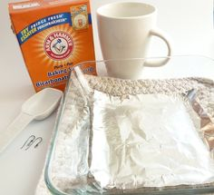 Use Baking Soda to Clean Tarnished Silver Jewelry ~ The Beading Gem's Journal There are better and faster ways but this one is safe for silver plated jewelry. Cleaning Tarnished Silver, Cleaning Silver Jewelry, Clean Gold Jewelry, Keep Jewelry, Jewelry Shop, How To Clean Gold, Tarnish Remover, Jewelry Making Tutorials, Making Ideas