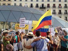 @HsalasteleSUR Apoyo en #Madrid al paro nacional agrario campesino en #Colombia. #Ahora. Suena una cumbia!