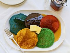 So cool to do during the Olympics. Lots of food coloring needed :) Breakfast of Champions: Olympic Ring Pancakes Cute Food, Good Food, Cool Mom Picks, Breakfast Of Champions, Winter Olympics, Usa Olympics, Food Network Recipes, Food Dishes, Kids Meals