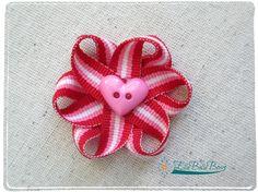 Loopy Floral Bows ~ A Tutorial #free #tutorial #flower #ellabellabows