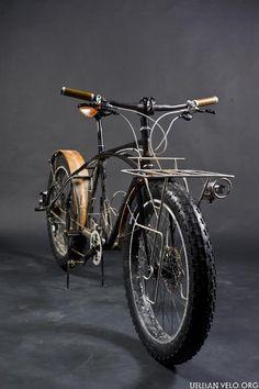 Bad-ass fat bike (via maythebikebewithyou)