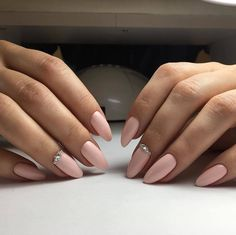 Find images and videos about pink, beauty and nails on We Heart It - the app to get lost in what you love. Classy Nails, Trendy Nails, Cute Nails, Almond Acrylic Nails, Almond Shape Nails, Oval Nails, Pink Nails, Hair And Nails, My Nails