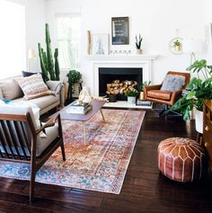 Home Decoration Wallpaper west elm leather chair joy bird chair loloi rug mid century family room fireplace mantel.Home Decoration Wallpaper west elm leather chair joy bird chair loloi rug mid century family room fireplace mantel Mid Century Modern Living Room, Living Room Modern, Apartment Living, Rugs In Living Room, Living Room Designs, Living Room Furniture, Living Room Decor, Room Rugs, Small Living