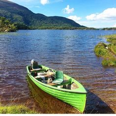 A trip out to the Lakes of Killarney is memorable. For anyone who has done it this picture from @jetsettingjunkies will bring back memories.