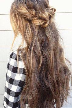 Pretty twists & long hair on the lovely @glambytoriebliss.
