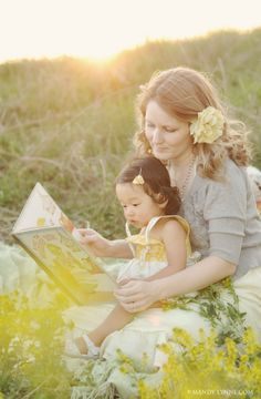 Great idea for a photo shoot. Mom reading child favorite book♥ so us