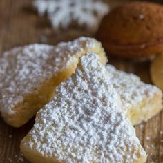 Italian almond cookies sprinkled with powdered sugar on a wooden board Lemon Shortbread Cookies, Shortbread Recipes, Cookie Recipes, Dessert Recipes, Italian Almond Cookies, Christmas Baking, Christmas Cookies, Italian Christmas, Christmas Treats
