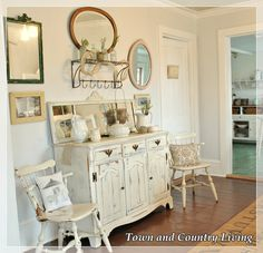 Town and Country Living's Dining Room  www.town-n-country-living.com