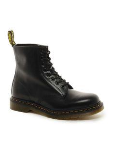 Dr. Martens Dr Martens Original 8-Eye Boots Har str 38. Dr. Martens e ganske dyrt so blir velig veldig glad for brukte Martens også ^^,