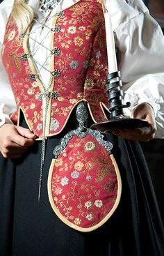 Dress from region of Solør og Odal, Norway. Norwegian Clothing, Fashion Terms, Style And Grace, My Style, Folk Fashion, Bridal Crown, Folk Costume, Traditional Dresses, Textile Design