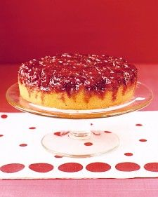 Sweetened whipped cream is the perfect accompaniment to this slightly spicy dessert. The topping is made by simply baking cranberries placed in a layer over sugar and spices at the bottom of the pan. As the cake bakes, the sugar caramelizes, forming a rich syrup.
