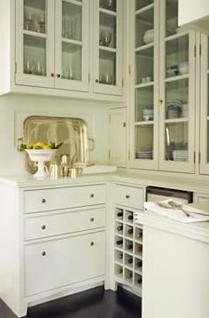 Butler's pantry w/glass front cabinets Tim Barber Architecture & Interior Design. Kitchen Butlers Pantry, Butler Pantry, New Kitchen, Pantry Cabinets, Kitchen Ideas, Kitchen White, Kitchen Sink, Kitchen Decor, Pantry Room