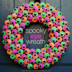 Spooky Eyeball Wreath | iLoveToCreate