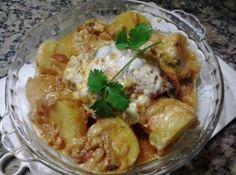 Peito de frango na pressão - Dá certo mesmo! 2 peitos de frango, 3 batatas, sal, pimenta do reino, coloral, 1 cebola cortada em rodelas, 3 colheres de maionese...