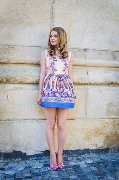 Pink Wish: COLORS ON THE FIRST DAY OF AUTUMN sheinside baroque dress, blogger, outfit, style, stylish, pink heels, bow pink heels, blonde, curls, happy, floral dress, royal blue, jaquard dress