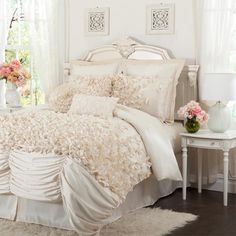 4 Piece Talia Queen Comforter Set in Ivory