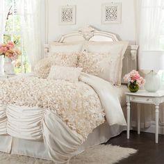 4 Piece Talia Queen Comforter Set in Ivory