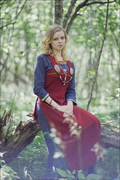 womans viking apron