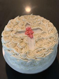 First Holy Communion Cake, First Communion Decorations, Religious Cakes, Rosette Cake, Buttercream Recipe, Salty Cake, Cake Tins, Girl Cakes, Savoury Cake
