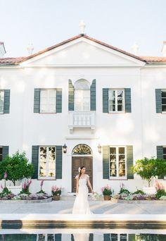 beautiful southern wedding venue #weddingvenue #southernwedding #weddingchicks http://www.weddingchicks.com/2014/01/30/jekyll-island/