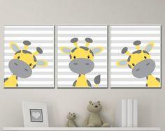 Dieser Satz von drei Kindergarten-Kunstdrucke verfügt über eine Giraffe gelb und grau auf jeder Druck mit einem grauen gestreiften Hintergrund. Diese Kunstdrucke eignen sich für ein Baby-jungen-Kinderzimmer oder ein Baby-Mädchen-Kinderzimmer. Sie können die Farben dieses Set nach Ihren Bedürfnissen ändern und Sie können auch aus einer Palette von Farben. Diese Kunst, die Drucke auf hochwertigen Schwerpapier gedruckt werden sollen gestaltet werden. Dieses Angebot gilt für 3 Kunstdrucke nur…