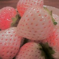 Pink,aesthetic,and its strawberries! Peach Aesthetic, Aesthetic Themes, Aesthetic Food, Aesthetic Photo, Aesthetic Pictures, K Fashion, Japanese Sweets, Imagenes Color Pastel, Loli Kawaii