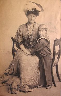 "Mrs. Alfred G. Vanderbilt [Ellen ""Elsie"" French] and her son William H. Vanderbilt III, the future Governor of Rhode Island and Consuelo Vanderbilt's first cousin, once removed."