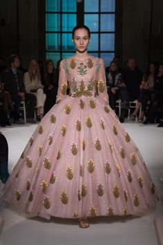 Giambattista Valli - Spring 2017 Couture Fashion Show Paris Fashion Week PFW Haute Couture