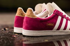 This adidas Gazelle OG for the ladies features a pink suede upper with cork detailing on the heel tab.
