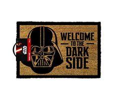 Star Wars Deurmat - Welcome to the Darkside; Darth Vader verwelkomt je gasten to the Dark Side op deze originele Star Wars deurmat. Star Wars Decor, Decoration Star Wars, Liu Kang, Objet Star Wars, Rolling Stones, Cadeau Star Wars, Star Wars Dark, R2d2, Star Wars Darth Vader