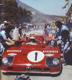 """TARGA FLORIO 1971 - Vaccarella """"indossa"""" l'Alfa 33 """"vincitrice"""""""