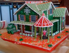 St. Patrick's Themed Gingerbread House by Cupid Cupcakery by Cupid Cupcakery, via Flickr