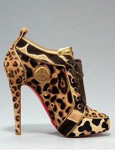 Amazing with this fashion pumps! get it for 2016 Fashion Christian Louboutin Pumps for you! Bootie Boots, Shoe Boots, Shoe Bag, Fall Booties, Ankle Bootie, Shoe Closet, Heeled Boots, Leopard Print Shoes, Leopard Prints
